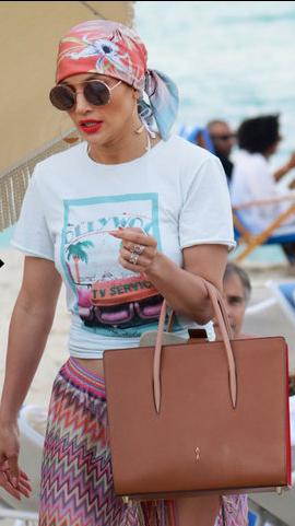 Kopfbedeckung a lá Jennifer Lopez