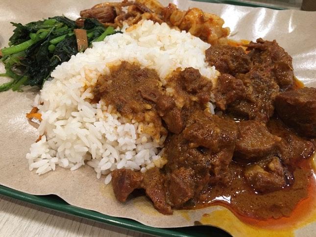 Nasi Padang mit Rendang (c) HungryGhost